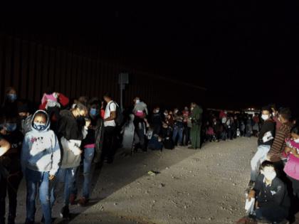RGV agents apprehend 206 migrants in a single border crossing. (Photo: U.S. Border Patrol/Rio Grande Valley Sector)