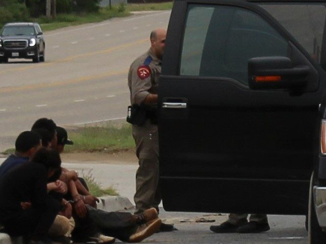 EXCLUSIVE PHOTOS: Texas Highway Patrolmen Detain 31K Migrants Since March