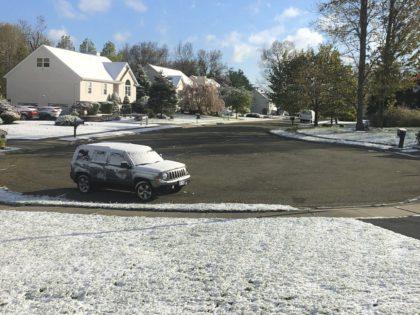 Mother's Day snow (Robert Beretta / Associated Press)