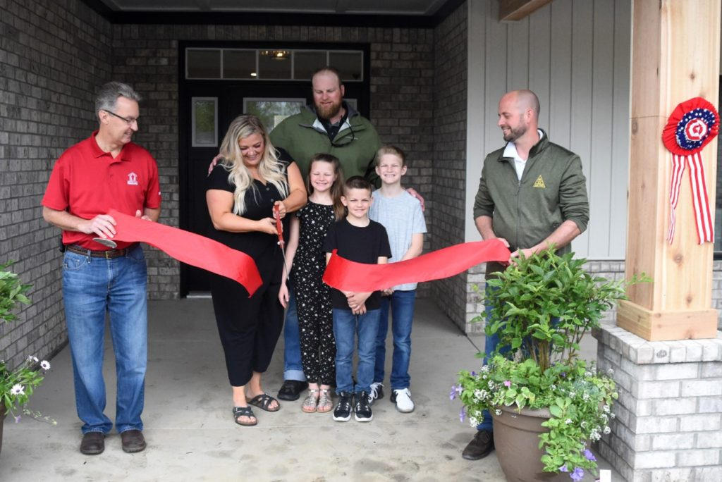 Builders Gift Veteran Injured in Helicopter Accident and His Family a Custom Home: 'It Means So Much to Us'