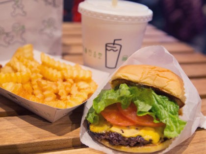 Bill De Blasio Promotes Shake Shack's Free Food for Vaccination Deal
