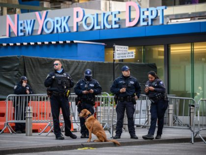 Nolte: Times Square Shooting Forces Anti-Cop De Blasio to Deploy More Cops