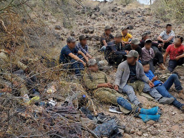 Single adult migrants apprehended in Tucson Sector near Gila Bend, Arizona. (Photo: U.S. Border Patrol/Tucson Sector)