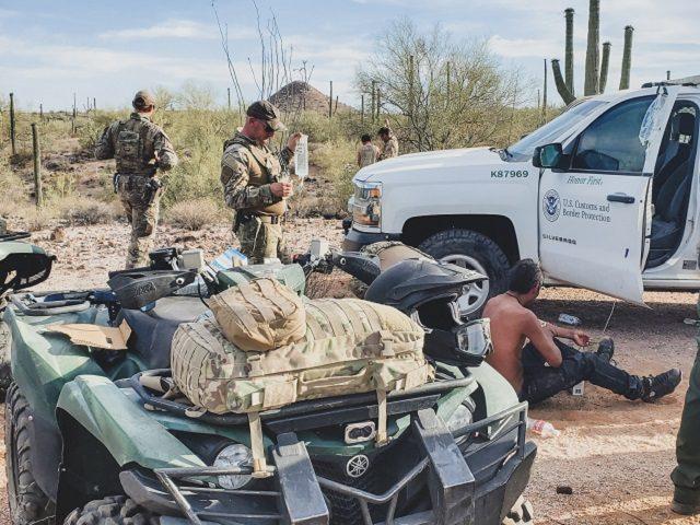 Border Patrol agents rescue 26 migrants in the Arizona desert. (Photo: U.S. Border Patrol/Tucson Sector)