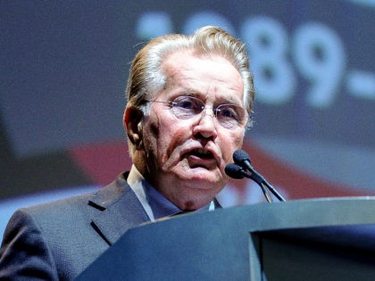 IMAGE DISTRIBUTED FOR THE NATIONAL ASSOCIATION OF DRUG COURT PROFESSIONALS - All Rise Ambassador and actor Martin Sheen speaks during the opening ceremony of The National Association of Drug Court Professionals' 20th Annual Training Conference, at the Anaheim Convention Center in Anaheim, Calif., Thursday, May 29, 2014. (Eric Reed/AP Images …