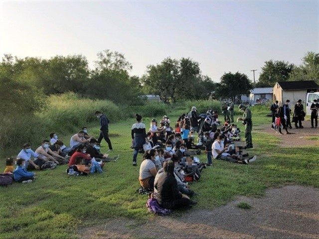 Another large group of nearly 300 migrants apprehended near La Grulla, Texas. (Photo: U.S. Border Patrol/Rio Grande Valley Sector)