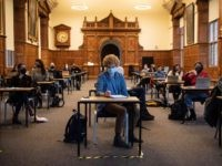 Unvaccinated University Students Will be Banned From Lectures: Report