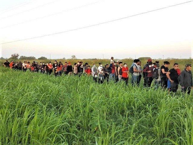 Border Patrol agents in Starr County, Texas, apprehend a large migrant group. (Photo: U.S. Border Patrol/Rio Grande Valley Sector)