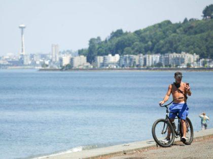 Seattle heat wave (Jason Redmond / Getty)