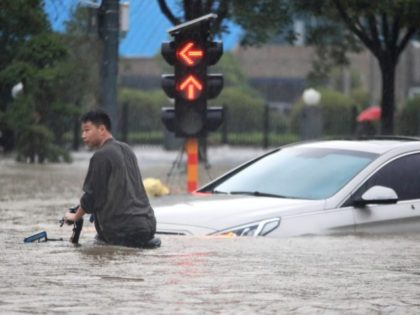 China Celebrates 'Civilian Heroes' as Government Fails on Disastrous Floods