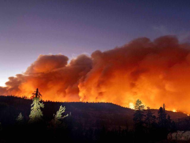 Caldor Fire Twilight (Josh Edelson / AFP / Getty)