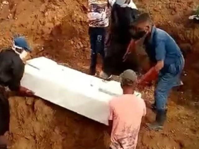 Coronavirus: Cuba Dumping Corpses in People's Backyards, Losing Bodies in Mass Graves
