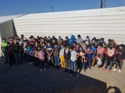 Tucson Sector Border Patrol agents apprehend a large group of migrants near Sasabe, Arizona. (Photo: U.S. Border Patrol/Tucson Sector)