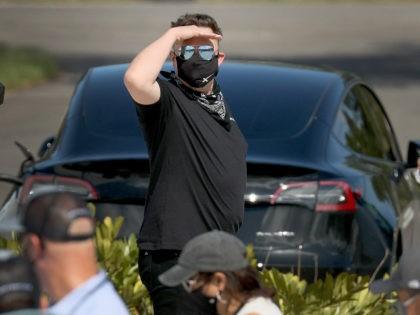 'He's Still Sleeping:' Elon Musk Snipes at President Biden After SpaceX Snub