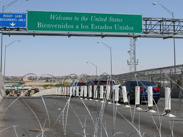 Drivers line up at the Cordova-Americas international bridge in Ciudad Juarez, Chihuahua state, Mexico as Customs and Border Protection (CBP) agents in El Paso, Texas, U.S. partially closed the lanes, delaying the crossing of vehicles on March 31, 2019. - President Donald Trump on Friday again accused Mexico of failing …