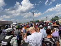 VIDEO: Caribbean Migrants March Through Mexican Checkpoint near Texas Border