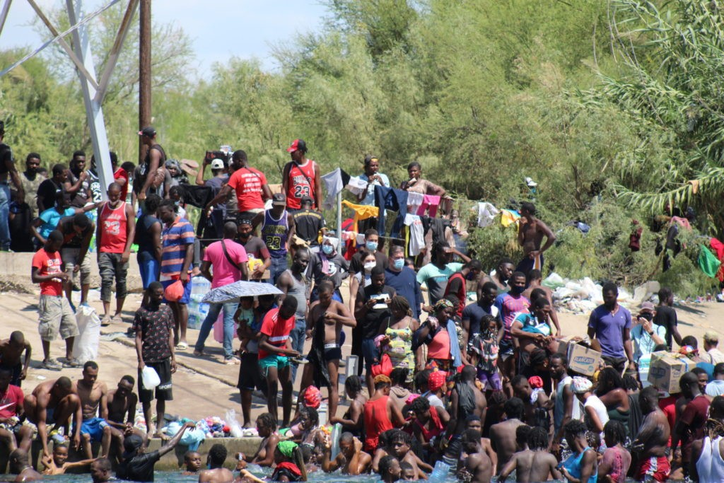The crowd of mostly Haitian migrants continued to increase on Saturday as the migrants prepared to move into the makeshift camp. (Photo: Randy Clark/Breitbart Texas)