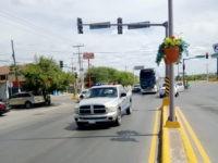 Mexican Officials Bus Thousands of Migrants to Border near Texas Bridge Camp