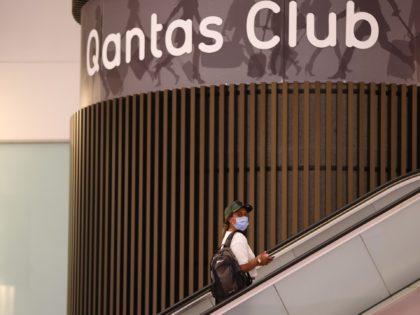 Australian Airline Qantas to Ban Unvaccinated Travelers from International Flights