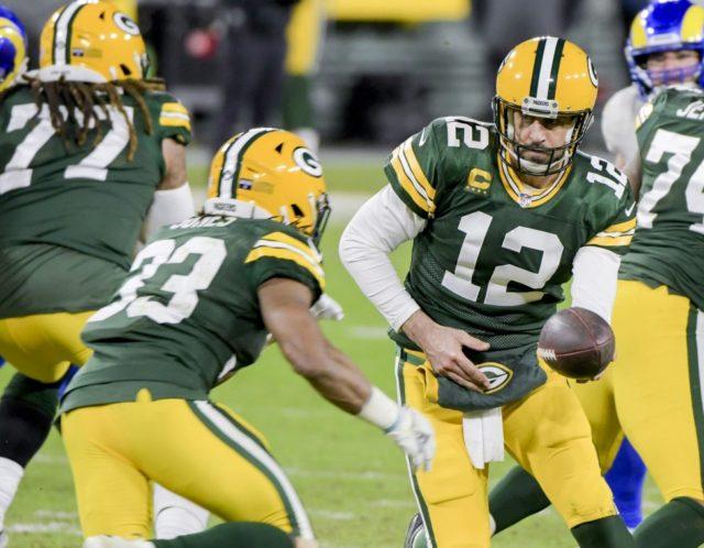 Aaron Jones, Aaron Rodgers lead Packers over Lions