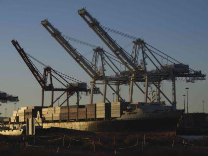 Cargo ship offloading Long Beach (Patrick T. Fallon / AFP / Getty)