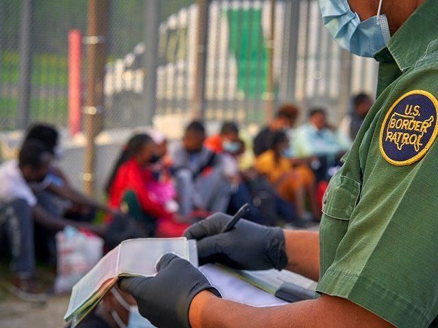 Large Group of Cuban, Venezuelan Migrants Apprehended near West Texas Border