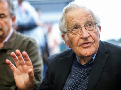 US linguist and political activist Noam Chomsky (R), talks during a press conference after visiting former President Luiz Inacio Lula da Silva, arrested for corruption in the Federal Police Superintendence in Curitiba, Brazil on September 20, 2018. (Photo by Heuler Andrey / AFP) (Photo by HEULER ANDREY/AFP via Getty Images)