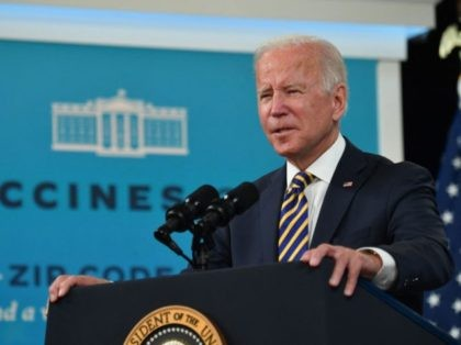 US President Joe Biden gives an update on the Covid-19 response and vaccination program, in the South Court Auditorium of the White House in Washington, DC, on October 14, 2021. (Photo by Nicholas Kamm / AFP) (Photo by NICHOLAS KAMM/AFP via Getty Images)