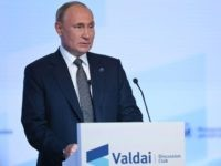 Putin Gives Russians the Week Off to Halt Coronavirus Spread
