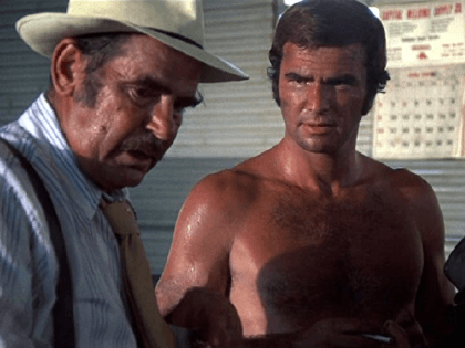 Burt Reynolds and Lincoln Demyan in White Lightning (1973)