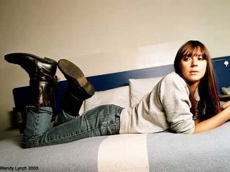 Musician Cat Power Sides with Suicide Bomber Apologists Over Israel