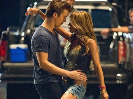 'Footloose' Blu-ray Review: Remake Can't Cut Loose from Original