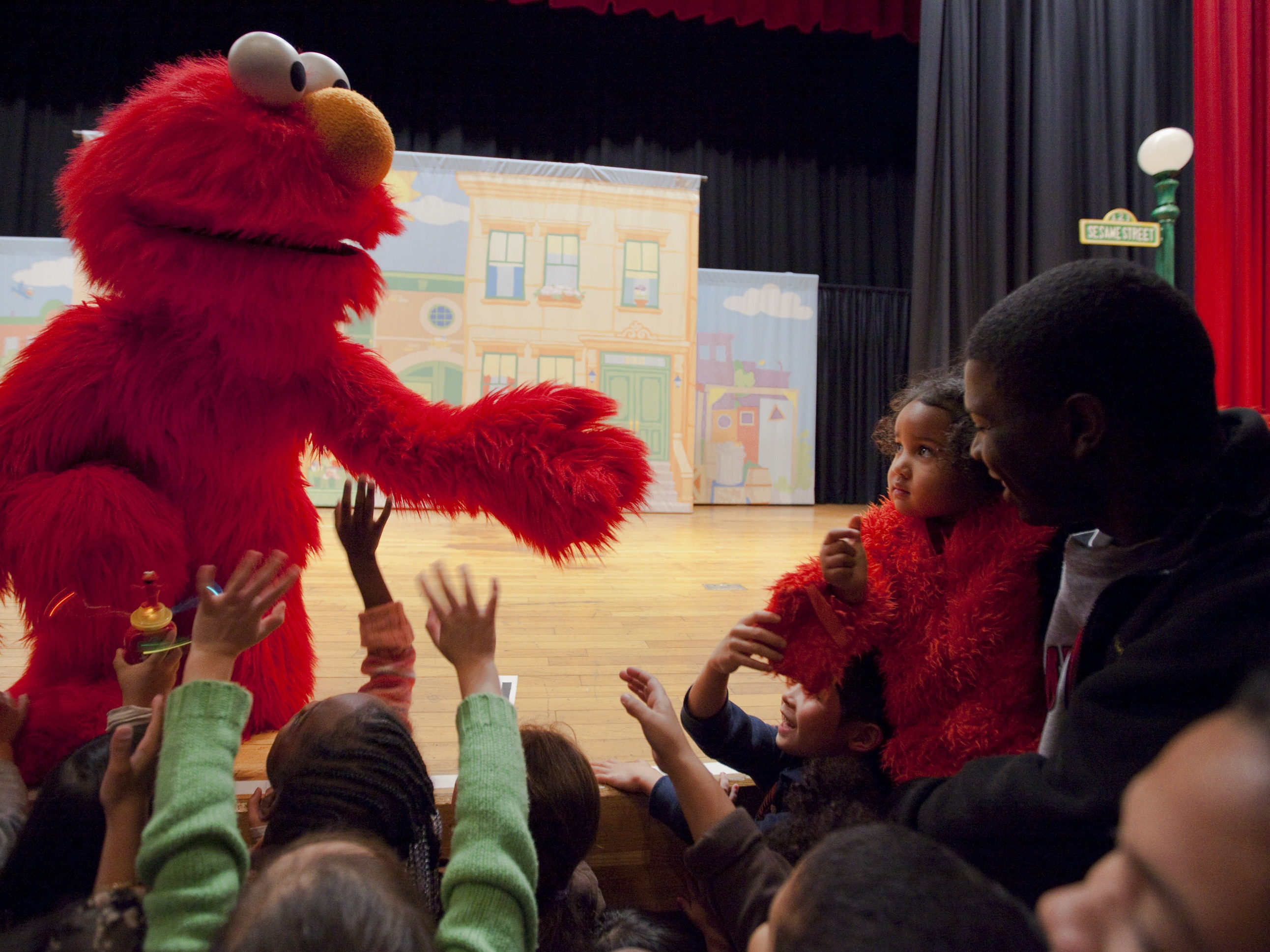 Elmo and Friends Salute Military Families