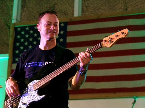 Sinise on the Mend, Ready to Rock Once More for the Troops