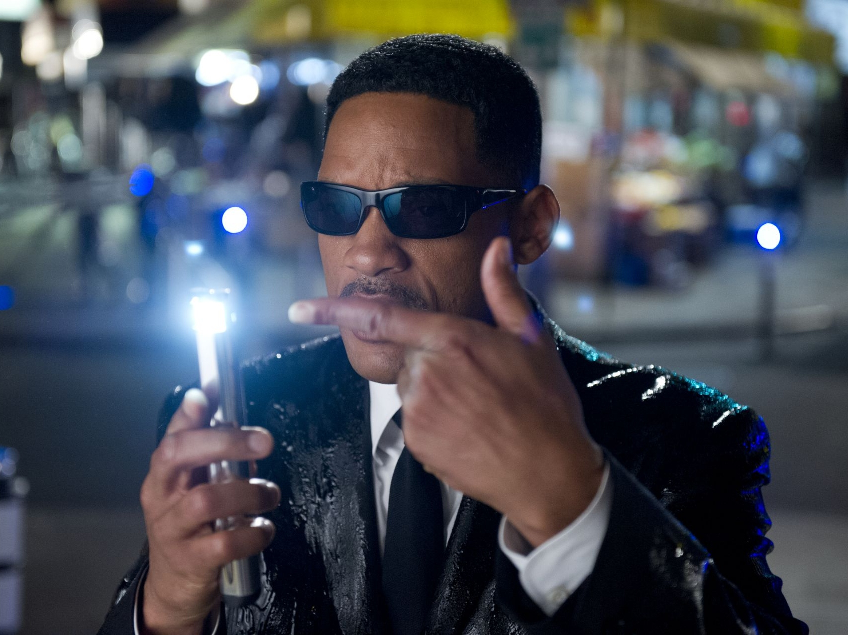 'Men in Black III' Review: Brolin, Smith Keep Aging Franchise Alive