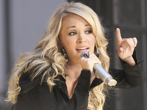 Carrie Underwood Breaks With Tradition and Supports Gay Marriage