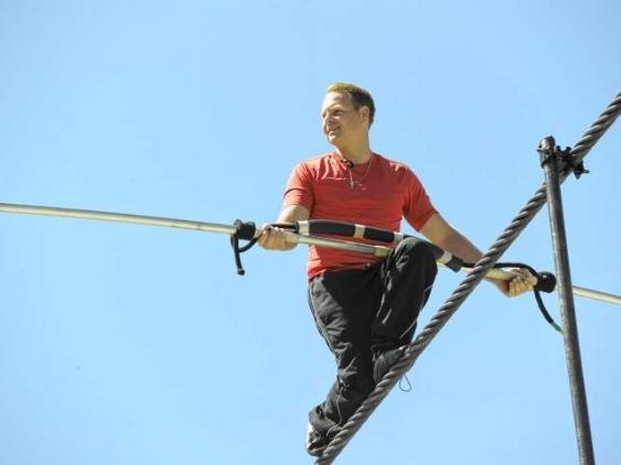 Wallenda Crosses Niagara Falls, Keeps Family Legacy Alive