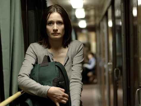 'Newsroom' Star Emily Mortimer: Tea Party 'Lunatic Fringe'