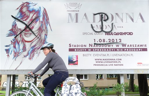 Madonna Concert in Poland to Open with WWII Film