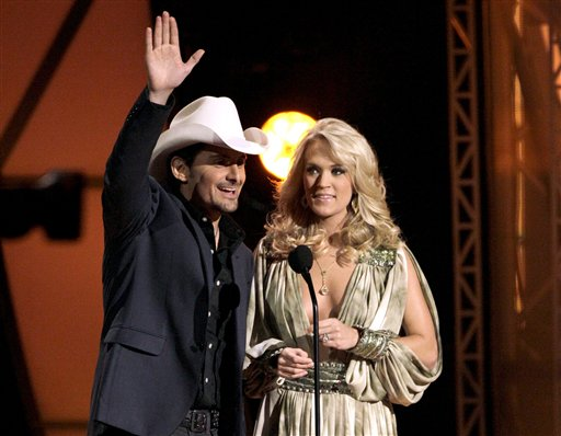Paisley, Underwood to Host CMAs for 5th Time