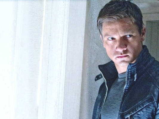 'The Bourne Legacy' Review: Fourth Installment Can't Replicate Damon's Movie Star Magnetism