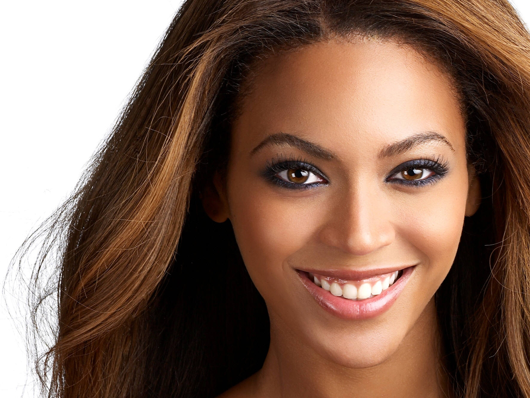 Beyonce Sends Faux Intimate Email to Obama Supporters Asking for Donations