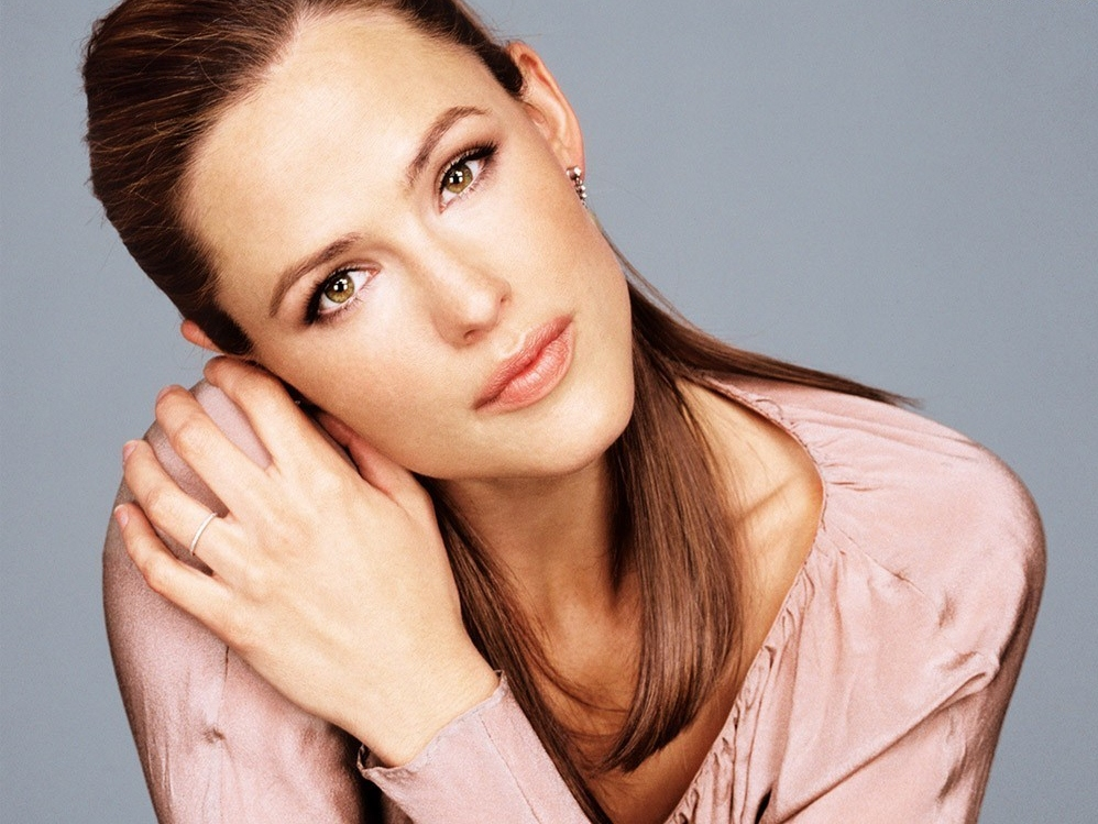 Jennifer Garner's Dishonest Dish: Star Says 'Butter' Not Meant to Swipe Palin, Bachmann, Tea Party
