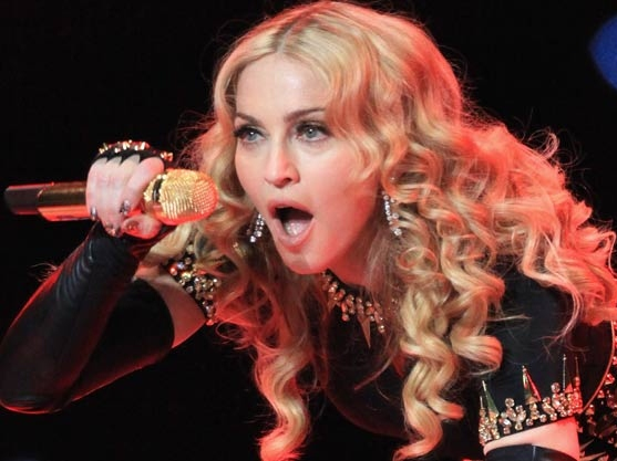 Madonna Touts Obama, Hears  Boo Birds
