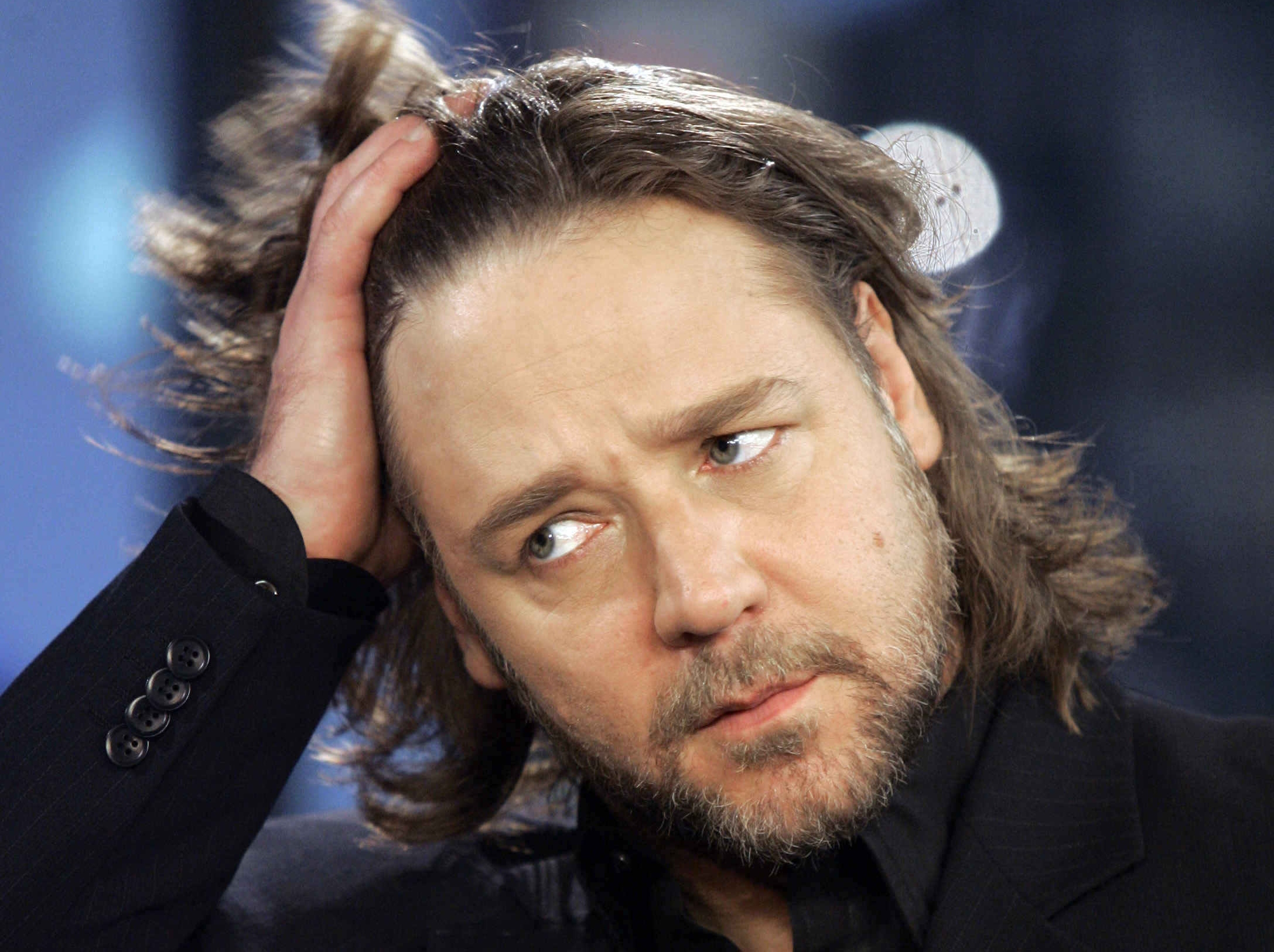Russell Crowe Calls Obama 'the Light and the Future'