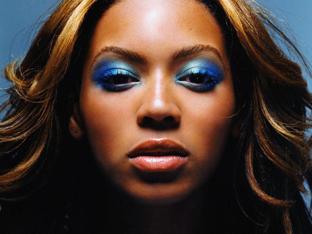 Sore Winner: Beyoncé Tweets 'Take That Mitches'