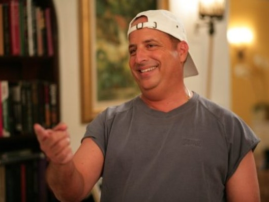 Lovitz Stands Up for Israel, Slams 'Terrorist' Hamas