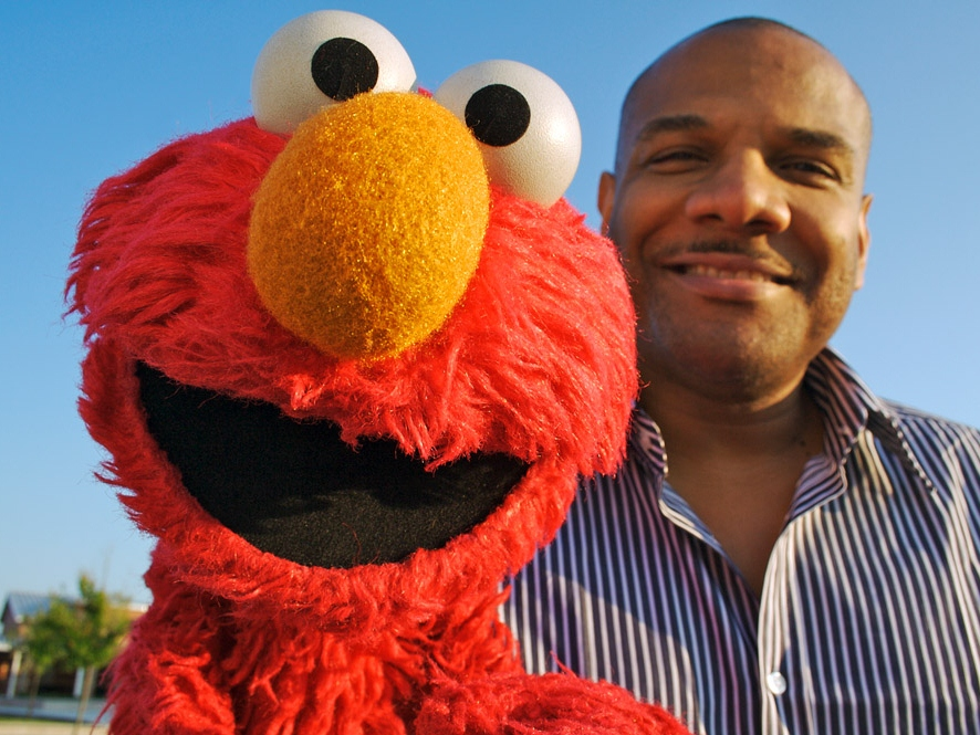 Elmo Actor Kevin Clash Eesigns Amid Sex Allegation
