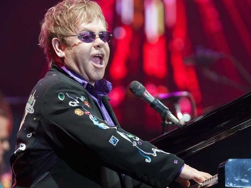 Malaysian Muslims Want to Ban Elton John Concert, Decry Singer's 'Wrong Values'