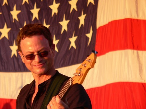 Gary Sinise Rallies to Help Staten Island Residents Post-Hurricane Sandy